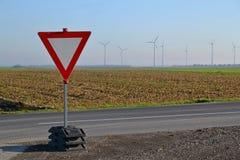 Conduce il segnale stradale Immagini Stock Libere da Diritti
