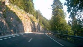 Conduciendo abajo del camino en Córcega, Francia metrajes