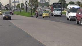 Conduciendo peligroso, mala conducción, accidentes cercanos almacen de video