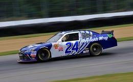Conducteur Eric McClure de NASCAR sur le cours Image libre de droits
