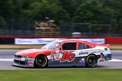 Conducteur Ryan Reed de NASCAR sur le cours Photos libres de droits