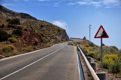 Conducteurs d'avertissement de panneau routier Photos stock