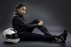 Conductor de coche de carreras o mujer o motorista femenina de truco Imagen de archivo