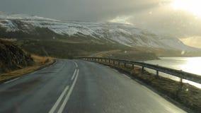 Conduisant en Islande, neigeant banque de vidéos