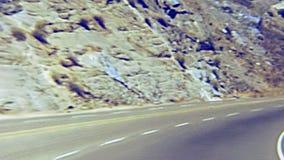 Conduisez par Yosemite NP banque de vidéos