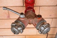 Conduite d'eau pour des sapeurs-pompiers photographie stock libre de droits