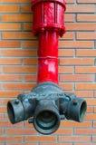 Conduite d'eau rouge image libre de droits