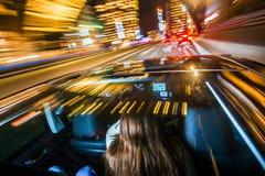 Conduite de passager par une ville photo libre de droits