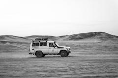 Conduite du véhicule 4x4 tous terrains dans le désert, Hurghada, Egypte Photos stock