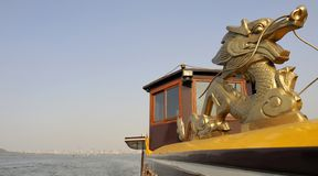 conduite proche de lac de hangzhou de bateau occidentale Photos stock