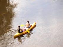 Conduite sur un bateau Photo libre de droits