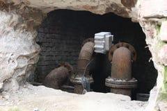 Conduites d'eau rouillées Images stock
