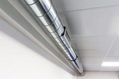 Conduits d'air de conduit et pour le dispositif de climatisation Photos stock