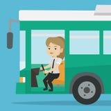 Condutor de ônibus caucasiano que senta-se no volante ilustração do vetor