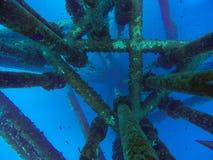 Conduttura del gas e del petrolio sotto l'acqua, sotto linea di mare Fotografia Stock Libera da Diritti