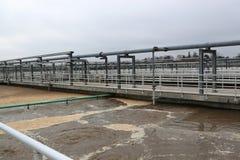 Conduttura e serbatoio di trattamento di acque di rifiuto Fotografia Stock Libera da Diritti