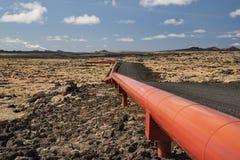 Conduttura in Islanda per energia geotermica immagine stock