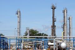 Condutture di industria petrolifera della raffineria fotografie stock libere da diritti