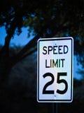 Conduzca cuidadosamente en la noche y no beba Fotografía de archivo