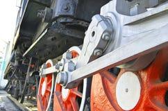 Conduzca las ruedas de la tracción de una locomotora de vapor imagen de archivo libre de regalías