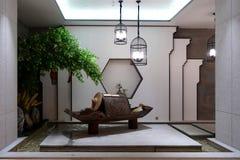 Conduzido iluminando o estilo de China na sala de estar foto de stock