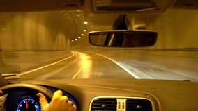 Conduzindo através do túnel, ilhas de Lofoten vídeos de arquivo
