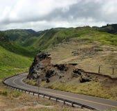 Conduzindo estradas da montanha do console de Maui fotos de stock