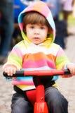 Conduzindo minha primeira bicicleta Fotografia de Stock Royalty Free
