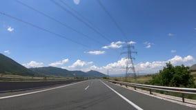 Conduzindo na estrada, Front View filme