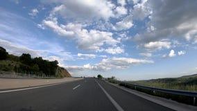 Conduzindo na estrada, Front View video estoque