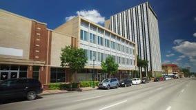 Conduzindo negócios passados em Waco Texas vídeos de arquivo