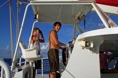 Conduzindo o barco Fotografia de Stock