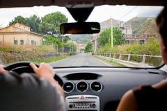 Conduzindo o carro fotografia de stock royalty free