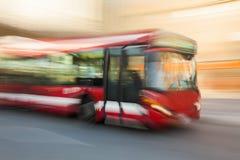 Conduzindo o ônibus foto de stock royalty free