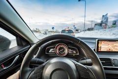 Conduzindo um carro desportivo imagem de stock royalty free