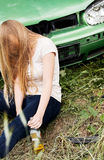 Conduzir sob o efeito, dormindo, mulher bebida Imagem de Stock