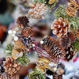 Cone do pinho da decoração da árvore de Natal Fotografia de Stock Royalty Free
