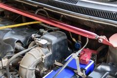 Conecte à tubulação de ar para a etapa do reenchimento do ar do carro imagens de stock royalty free