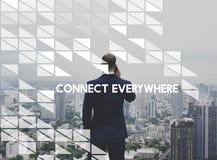 Conecte por todas partes el establecimiento de una red usando el dispositivo de Digitaces imagen de archivo libre de regalías