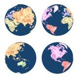 Conecte a tierra los globos en estilo poligonal coloreados por los continentes en diversas posiciones Fotografía de archivo