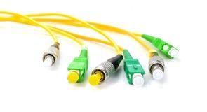 Conectores da fibra ótica, cabos de fibra ótica usados que é respons imagem de stock royalty free
