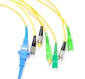 Conectores da fibra ótica, cabos de fibra ótica usados que é respons imagens de stock royalty free