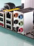 Conectores e digi audio da bordadura 5,1 do cartão-matriz Foto de Stock Royalty Free