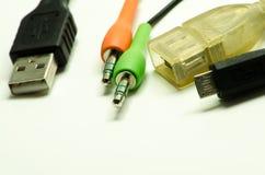 Conectores eletrônicos isolados fotografia de stock