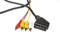 Conectores negros del cable y de la cincha del scart en el blanco foto de archivo