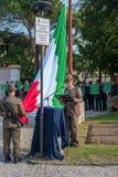 Conegliano Italien - Oktober 13, 2017: Åminnelseceremoni på monumentet till de stupade soldaterna Veteran och Arkivfoton