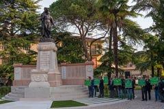 Conegliano Italien - Oktober 13, 2017: Åminnelseceremoni på monumentet till de stupade soldaterna Veteran och Royaltyfri Fotografi