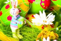 Conejito y huevos de pascua Fotografía de archivo libre de regalías