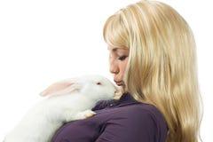 Conejo blanco con la muchacha Fotografía de archivo libre de regalías