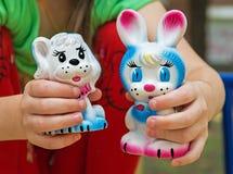 Conejo de goma del juguete Fotos de archivo